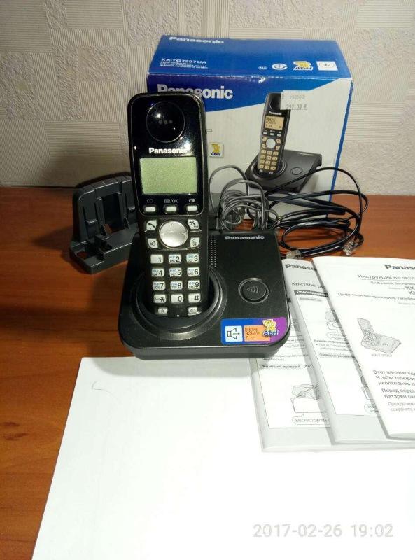 Радиотелефон Panasonic KX-TG 7207UA